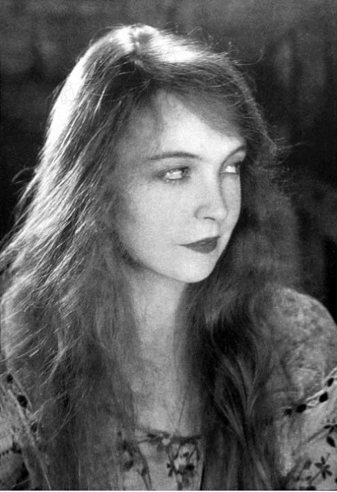 Lillian-Gish-8